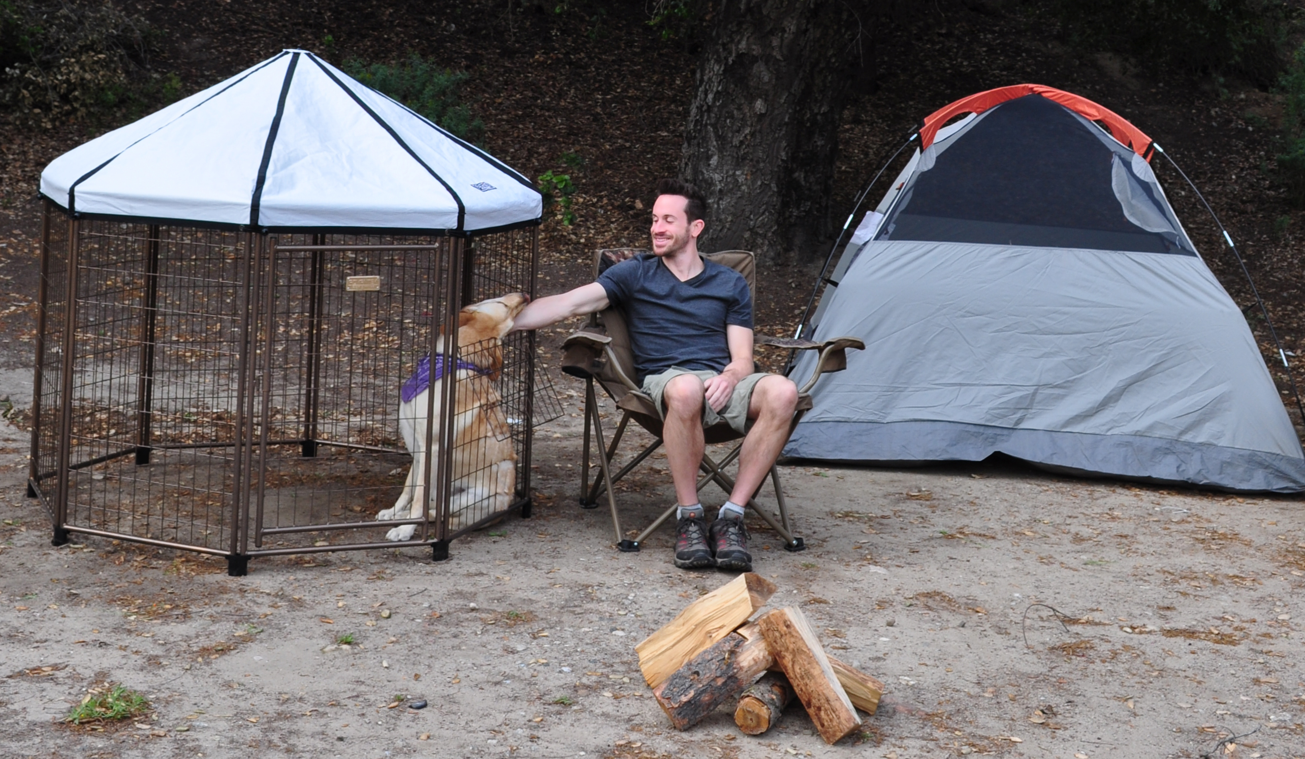 The PET GAZEBO® camping